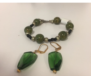 Tell Every Amazing Lady® Earring & Bracelet Set – Green